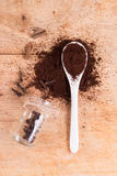 地面风味咖啡匙子  库存图片