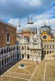 围场Palazzo Ducale (共和国总督的宫殿)在威尼斯,意大利 库存照片