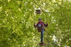 坎德尔,莱茵河流域巴列丁奈特,德国- 2018年7月7日:乐趣森林-上升的冒险公园 免版税库存图片