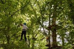 坎德尔,莱茵河流域巴列丁奈特,德国- 2018年7月7日:乐趣森林-上升的冒险公园 库存照片