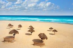 坎昆墨西哥Delfines加勒比海滩 免版税库存照片