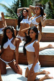 坎昆,墨西哥- 5月05 :外面模型姿势为白色T恤杉项目 库存图片