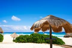 坎昆Playa Delfines海滩里维埃拉玛雅人 免版税图库摄影