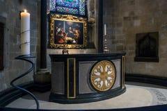 坎特伯雷, KENT/UK - 11月12日:在坎特伯雷主教的座位的法坛 库存图片