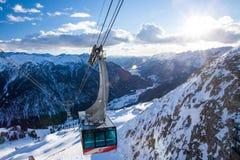 坎皮泰洛迪法萨在Val加迪纳谷的滑雪胜地 库存照片