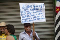 坎皮纳斯,巴西- 2015年8月16日:反政府抗议在巴西,请求Dilma Roussef的弹劾 免版税库存照片