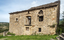 破坏的农村房子 库存图片