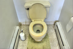 坏的洗手间 免版税库存图片
