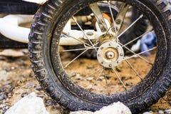 坏的轮胎 库存照片