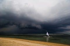 坏风帆天气 库存图片