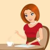 坐在咖啡馆和使用片剂个人计算机的年轻俏丽的妇女。特写镜头例证 图库摄影