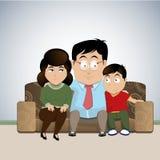 坐在长沙发传染媒介例证的家庭 皇族释放例证