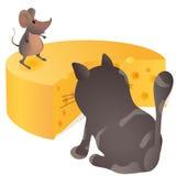 坐在鼠标和干酪前面的大猫 库存例证