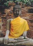 坐的菩萨雕象在泰国 库存图片