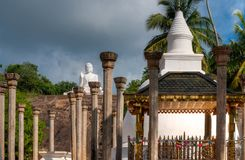 坐的菩萨雕象在Mihintale,斯里兰卡 免版税库存照片