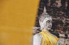 坐的菩萨雕象,细节 库存图片