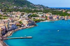 坐骨海岛-从城堡Aragonese的看法 库存图片
