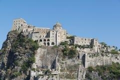 坐骨Aragonese城堡的看法  图库摄影