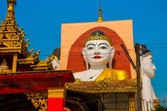 坐Buddhas四个雕象  塔Kyaikpun菩萨 Bago,缅甸 缅甸 免版税库存照片