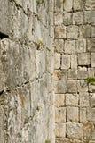 块砖城堡墙壁 免版税库存照片