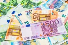 5000块背景票据货币模式卢布 特写镜头不同的欧洲钞票 免版税库存图片