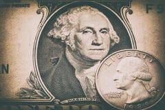 5000块背景票据货币模式卢布 美元一 减速火箭的样式定了调子照片 图库摄影