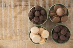 块菌和蛋白杏仁饼干舱内甲板位置 图库摄影