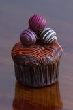 块菌状巧克力杯形蛋糕 库存照片