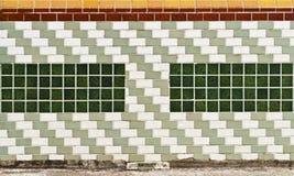 块陶瓷装饰玻璃铺磁砖墙壁 免版税库存照片