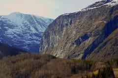 坚固性挪威山 免版税图库摄影