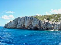 坚固性海岸线和洞,扎金索斯州希腊海岛,希腊 图库摄影