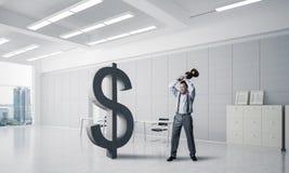 坚定的银行家人以现代办公室内部打破的美元 图库摄影