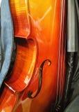 坚硬木头4/4大型大提琴 免版税库存照片