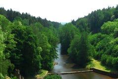 从水坝看 免版税库存照片