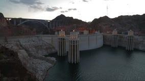 水坝真空吸尘器湖蜂蜜酒 股票视频