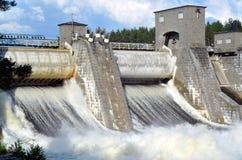 水坝Imatrankoski在伊马特拉 图库摄影