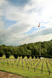 坟园军人荡桨墓碑 库存图片
