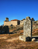 坟墓在Castelo Mendo历史村庄  图库摄影