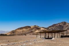 坟茔在沙漠 库存图片