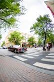 坦佩雷交通在夏日 免版税图库摄影