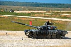坦克两项竞赛-在军用设备,莫斯科俄罗斯的体育 免版税库存图片