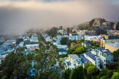 从坦克小山公园的有雾的看法 库存照片