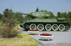 坦克T 34-85特写镜头 在普尔科沃高度的纪念普尔科沃里程碑,圣彼德堡 图库摄影
