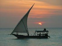坦桑尼亚的单桅三角帆船 免版税库存照片