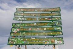 2014 02坦桑尼亚,非洲:在乞力马扎罗山的乌胡鲁高峰最高的山顶 免版税图库摄影