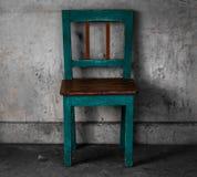 坦率的葡萄酒椅子 免版税库存照片