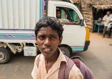 坦贾武尔,印度- February13 :unifor的一名未认出的学生 库存照片