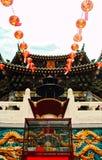 垂悬与一个剧烈的观点的中国灯笼 免版税库存照片