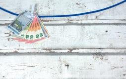垂悬作为洗衣店的欧洲笔记 库存照片