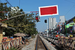 垂悬在一条铁路的障碍在河内 库存图片